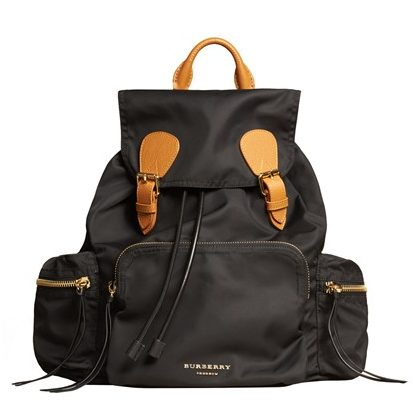 The-Burberry-Rucksack-Vogue-20Jan16_b_426x639
